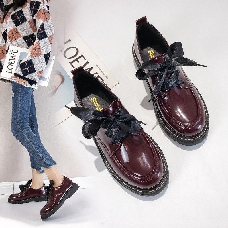 6929a5c0786 2019-nueva-moda-de-los-cordones-de-los-zapatos -de-las-mujeres-pisos-de-cuero-brillantes.jpg