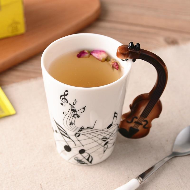 Creativa música violín estilo guitarra cerámica taza café té leche tazas con mango taza de café regalos novedosos