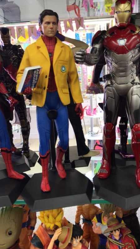 2 sinais brinquedos loucos marvel vingadores spiderman 04