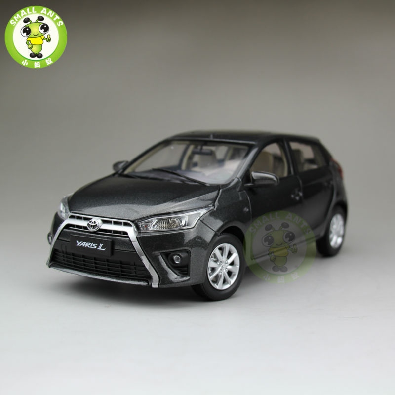 ФОТО 1:18 Toyota New Yaris L Diecast Car Model Gray Color