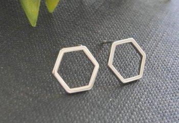 Hollow Line Hive Hexagon Earring