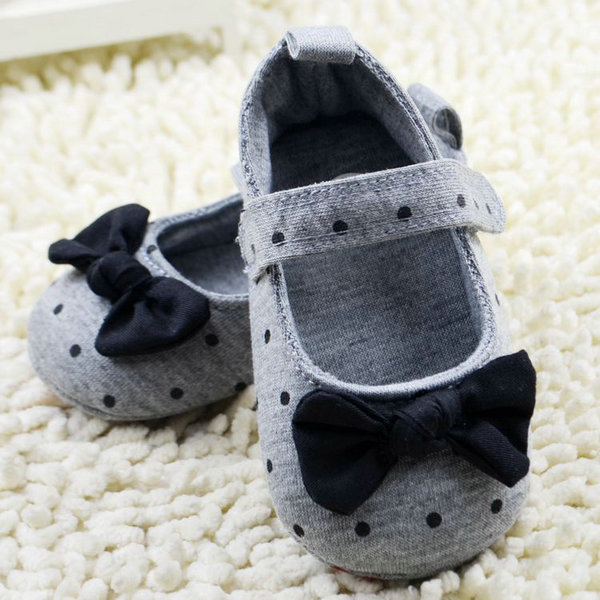Fashion Cute Baby Girls Slip-On Cotton Cloth Prewalker Gray Polka Dot Crib Shoes