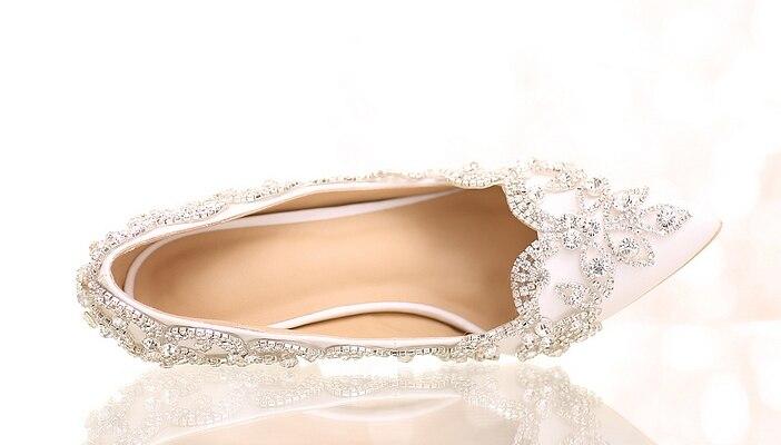 34 39 ลูกไม้สีขาวตื้น Pointed Head Slip   on Custom คริสตัลไข่มุกหวานส้นสูงสาวเจ้าสาวงานแต่งงานสวมใส่รองเท้า-ใน รองเท้าส้นสูงสตรี จาก รองเท้า บน   3