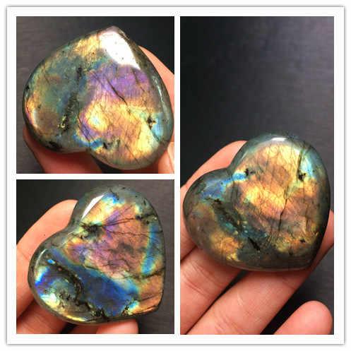 Cristal de quartz naturel labrador curseur complet en forme de coeur. Spécimens de pierre et minéraux. Madagascar
