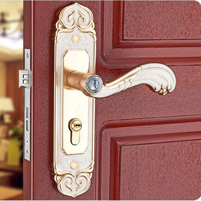 European fashion style amber white wooden door locks Aluminum alloy interior door handle lock bedroom door lock mechanical door european fashion ivory white bedroom bookroom door lock amber white indoor lock mechanical handle lock bearing lock body crystal