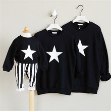2016 New Design Family Matching Clothes Black Long Sleeve Five-pointed Star Sweater For Children warm Pullovers shirt