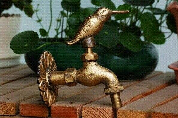 Robinets extérieurs décoratifs Bibcock de jardin d'animal en laiton fixé au mur avec le robinet d'oiseau en bronze antique de style rural