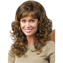 55cm Hot Sale Heat Resistant Synthetic Hair Long Wavy Curly Wigs Yellowish-brown Medium Wigs For Black Women With Air Bangs