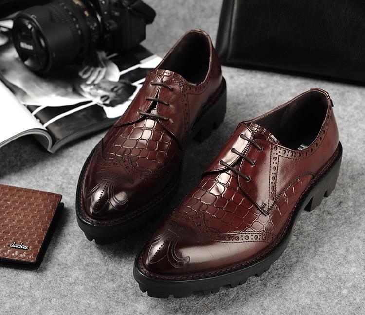 Резные Для мужчин свадебные Обувь шнурованная для женщин из тисненой кожи мужской работы Туфли оксфорды Спортивная обувь скольжению Черны