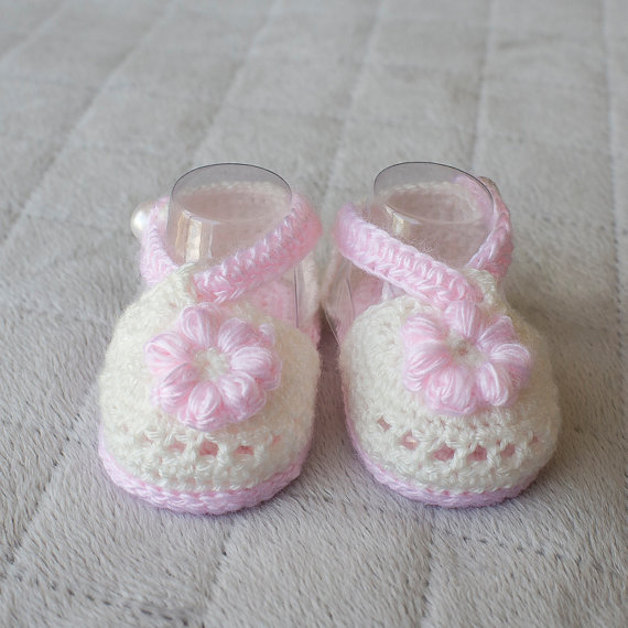 d8184e44c7b24 Crochet Baby sandals, Baby girl sandals, Summer baby girl shoes, Baby beach  Shoes-in Sandals & Clogs from Mother & Kids on Aliexpress.com | Alibaba ...