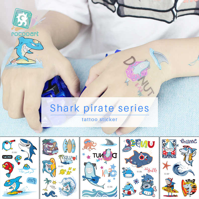 Tatuaje de tiburón pirata Rocooart para chico de dibujos animados tatuaje falso niños Tatuajes Temporales arte corporal a prueba de agua tatuaje temporal pegatina