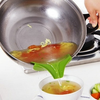 Silicone Soup Funnel Kitchen Gadget, Anti-spill Edge Water Deflector Cookware Tool