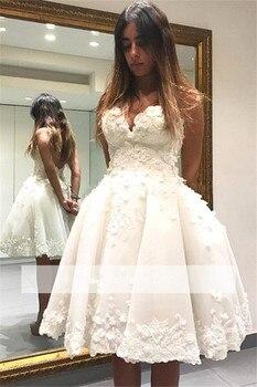 8d220bd443 Blanco 2019 vestidos de fiesta vestido de novia rodilla longitud apliques  con cuentas de encaje sin respaldo elegante vestidos de cóctel