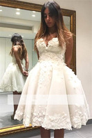 White Homecoming Dresses Ball Gown Sweetheart Knee Length Appliques Lace Beaded Backless Elegant Cocktail Dresses
