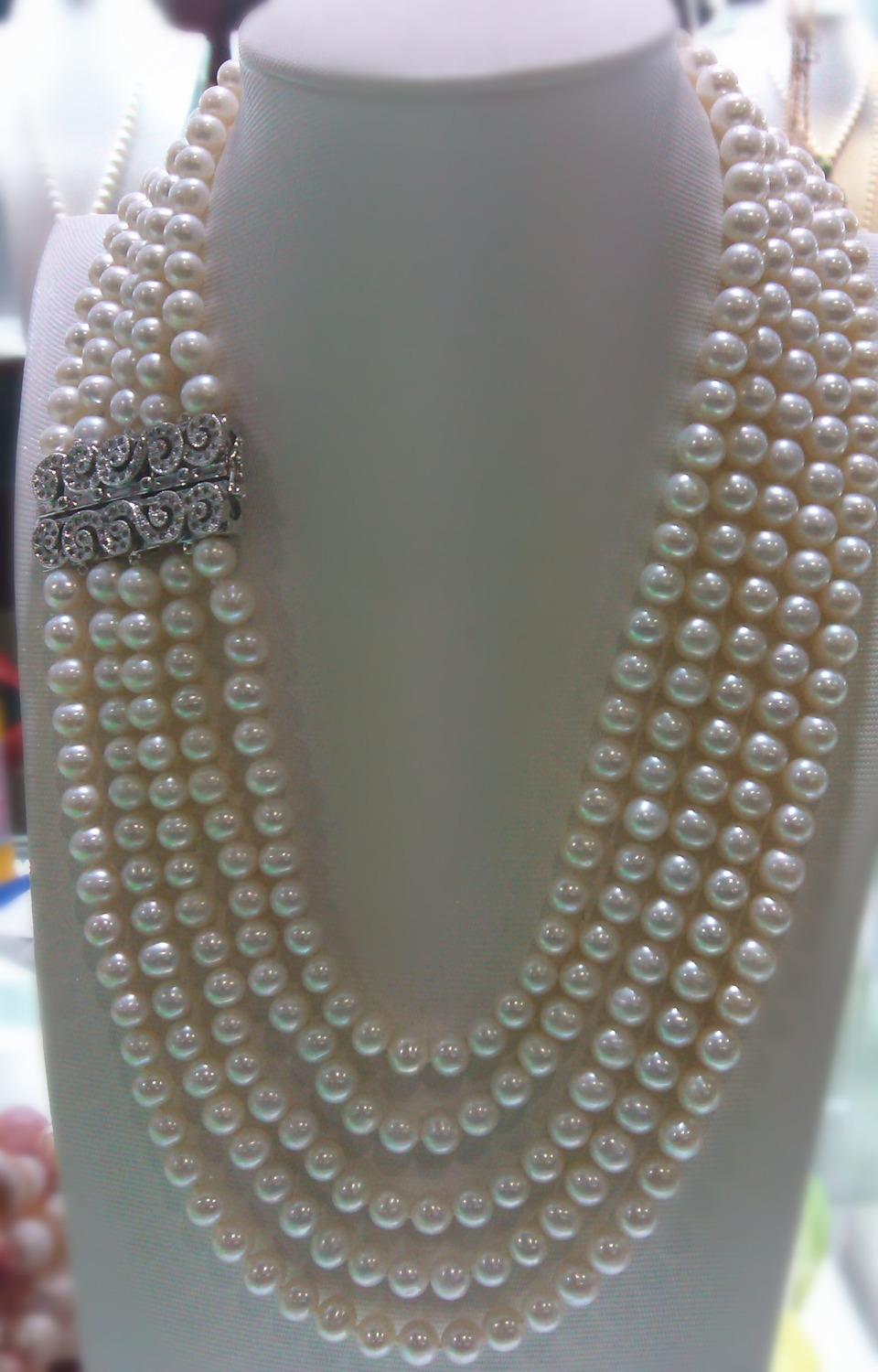 wholesale 4 rows natural AAA 7-8mm white freshwater pearl necklace 005wholesale 4 rows natural AAA 7-8mm white freshwater pearl necklace 005