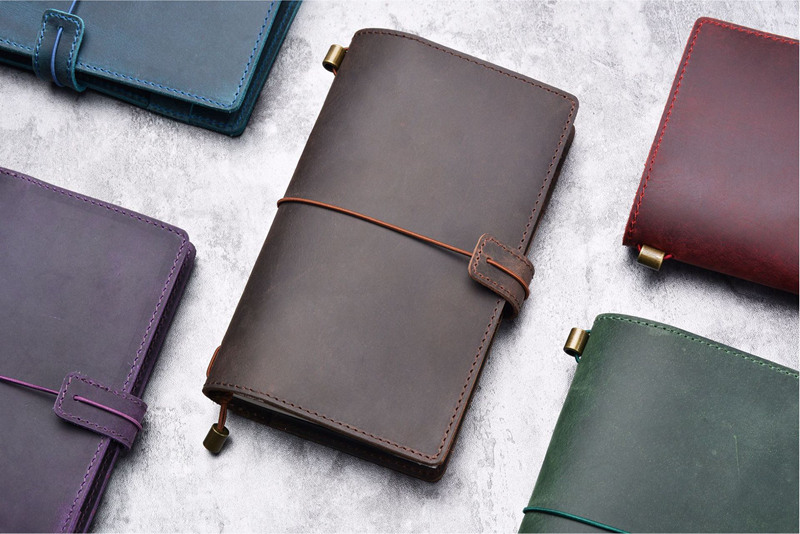 New Style Handmade M Size Multifunction Genuine Leather Notebook Cowhide Diary loose leaf DIY replaceable inserts simline vintage handmade genuine leather cowhide cover a6 loose leaf traveler s notebook diary passport holder cover wallet men