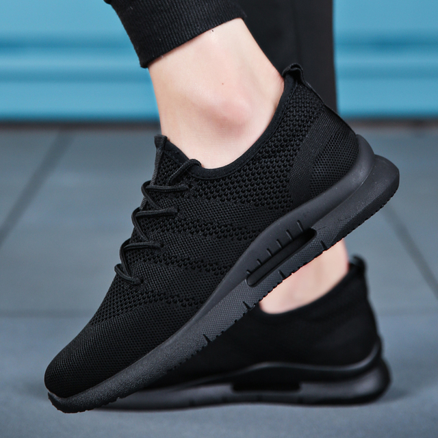 2019 Spring Summer Men Running Shoes Light Weight Classic Lace Up Low-Cut Flyweather Men Sport Shoes Black Walking Sneakers Men 2
