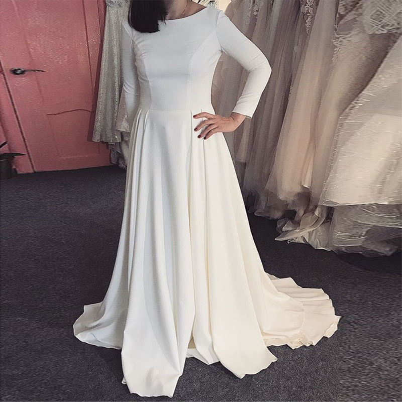 White Ivory Simple Wedding Dress With Long Sleeves Vintage Scoop Neck Satin Backless Robe De Mariee Custom Made Sweep Train