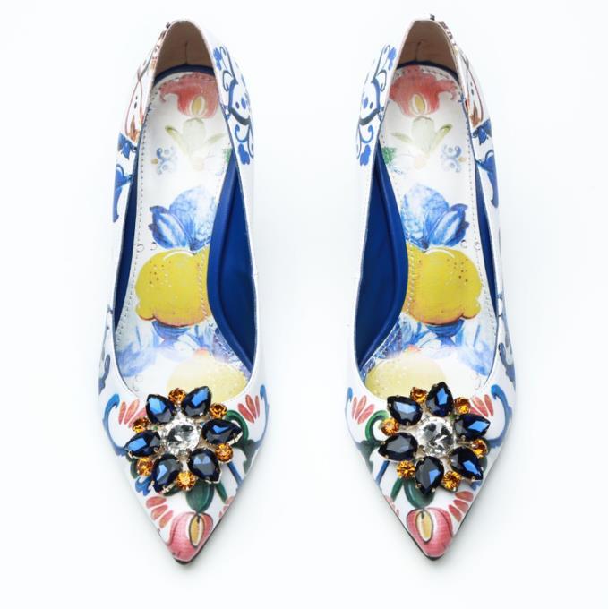 ac84165b Oto-o-nueva-tacones-altos-bombas-mujeres-Zapatos-cuero-cristal-pasarela- Zapatos-mujer-punta-estrecha-partido.jpg