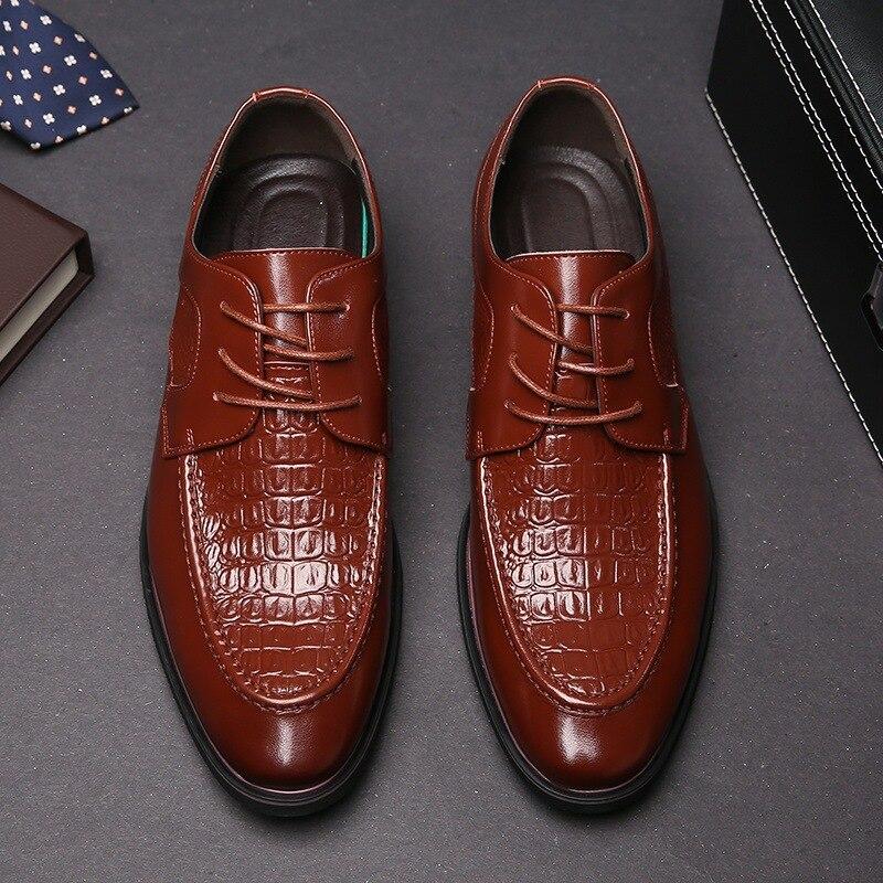 Moda Homens Oxfords Preto Brown De Para Da Vestido 2018 Italiano Couro Nova Dos Sapatos Formal marrom Casuais Preto Marca Designer Inglaterra qHU5THw