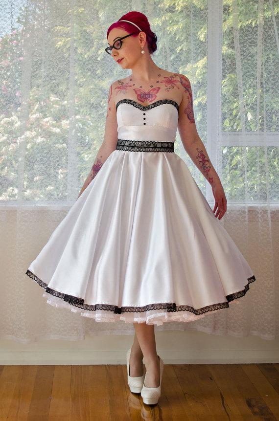 Vintage wedding dresses 1950s
