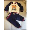 Дети марка одежда 2017 осень мальчиков одежда хлопка с длинным рукавом О-Образным Вырезом прекрасный медведь lining майка топы