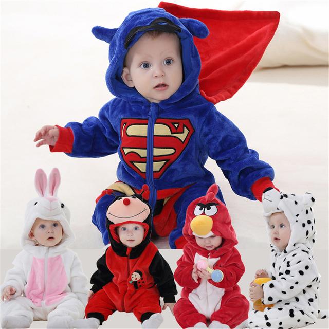 Mamelucos del bebé 2017 Superman Panda Primavera Otoño Sobretodo de Marca de Alta Calidad Unisex Animal Establece Beatle Sistemas Del Bebé Superman Mono