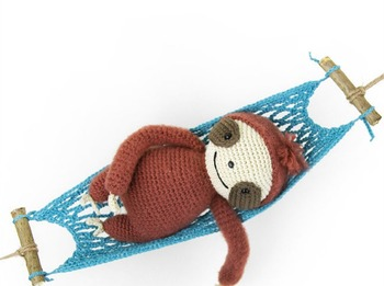 crochet armigurumi  rattle sloth  model number  8118