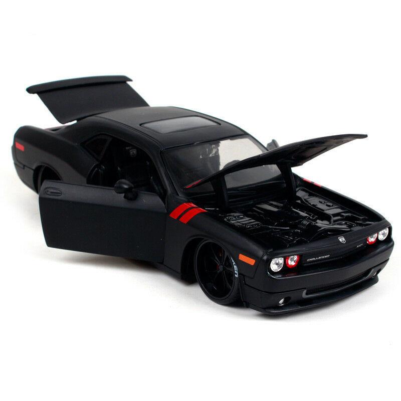 Maisto 1:24 2008 Dodge Challenger SRT8 Diecast Model Racing Car Vehicle