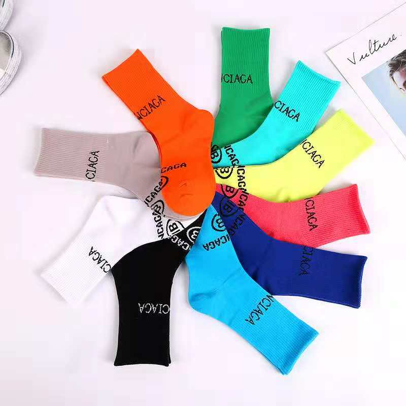 Fashionable Brand Cotton Women Autumn Winter   Socks   Colors Street Character Letters Solid Striped Sport Casual Long Crew   Socks