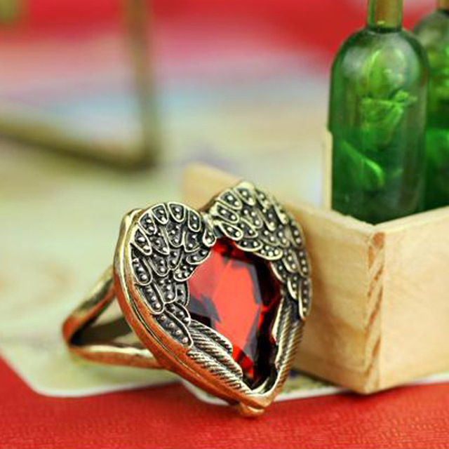 Europe and the United States sell like hot cakes product accessories ruby love angel wings restoring ancient ways ring ring