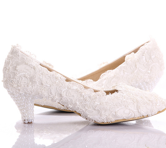 Perfect White Lace Low Heel Wedding Bridal Shoes Kitten Heel Bridesmaid Shoes  Elegant Party Embellished Prom Shoes