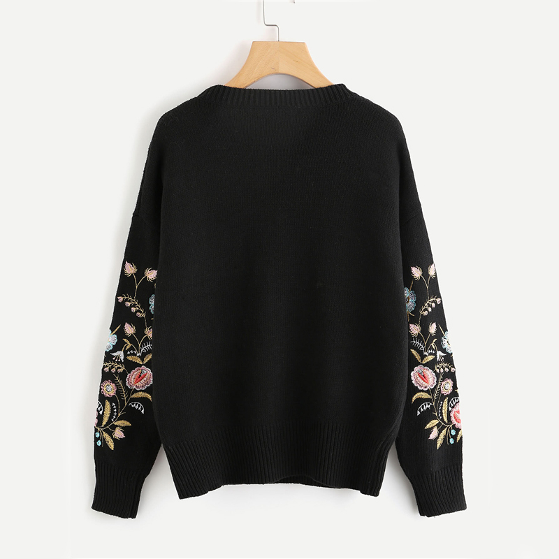 2018 autumn/winter black long sleeve leisure woman sweater symmetrical plant embroidered sweater.