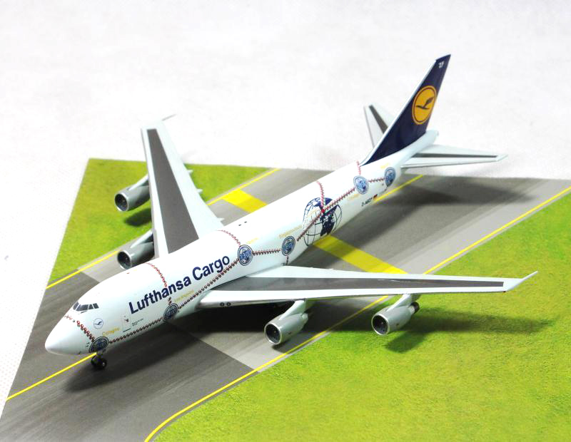 apollo1: 400 Lufthansa German Airlines Boeing B747-300 aircraft model D-ABZF Alloy model collection bbox200 1 200 american frontier airlines boeing 737 200 aircraft model n1pc alloy collection model