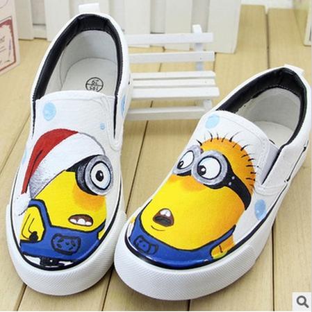 a8a509ed2576 Brand child Shoes Despicable Me 2 Minions Children Girls Boys boots Kids  Canvas Shoe Hand-painted sandals