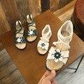 Сандалии для девочек; Новинка; Корейская летняя модная обувь для девочек; обувь принцессы; детские сандалии; женская обувь с мягкой подошвой...