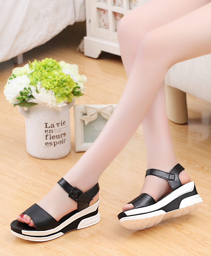 HTB1nugDLzTpK1RjSZKPq6y3UpXaR 2019 Summer shoes woman Platform Sandals Women Soft Leather Casual Open Toe Gladiator wedges Trifle Mujer Women Shoes Flats
