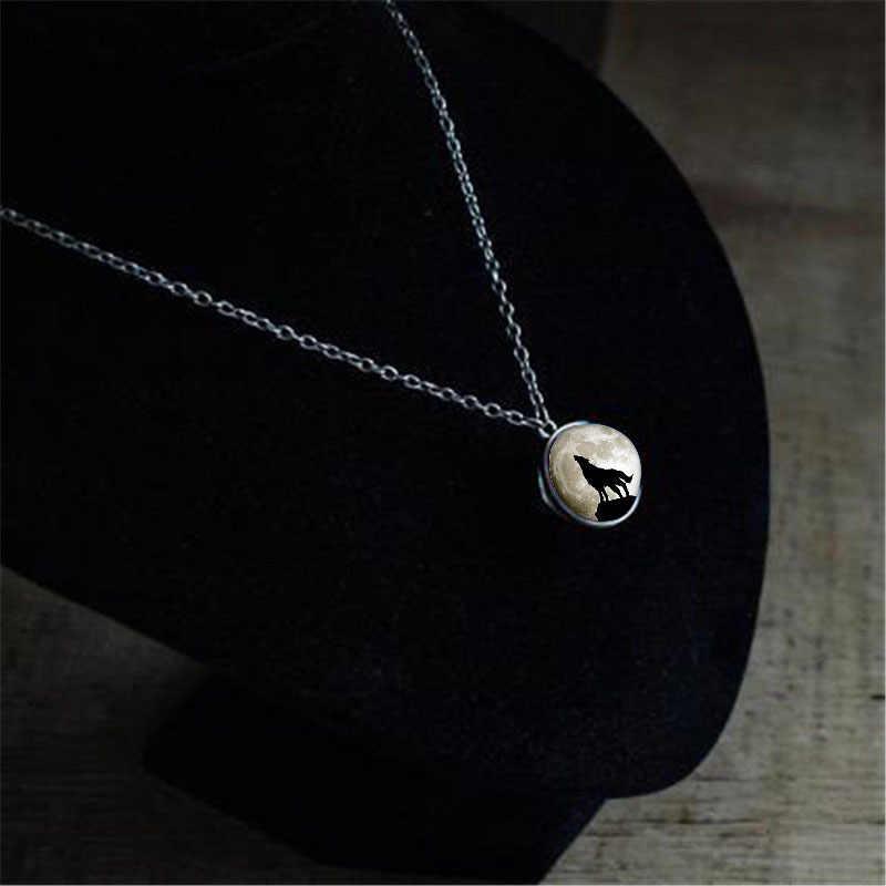 Di modo nuovi accessori di vetro a doppia faccia palla sotto la luna lupo tempo di pietra pendente della collana del maglione della catena articoli caldi di vendita