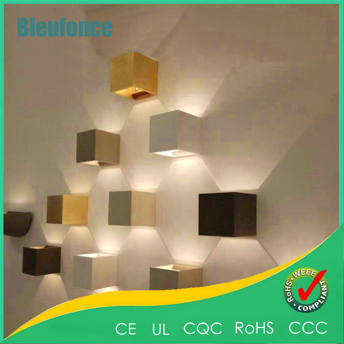 ФОТО Modern Brief AC85-265V 7W LED Sconce Outdoor Waterproof Wall Lamp Adjustable Surface Mounted Aluminum Wall Lights Garden Lights
