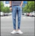 2016 hombres jeans agujeros decoración mens jeans hombres casual straight jeans denim tamaño 28-36