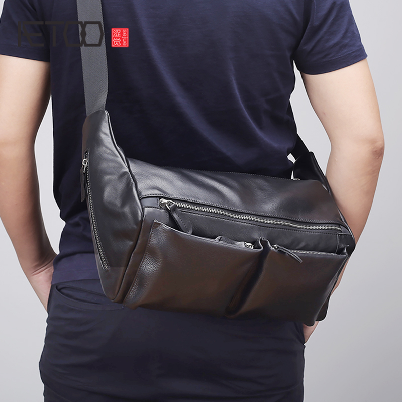AETOO Leather shoulder bag male trend casual bag Large capacity horizontal men s head layer cowhide