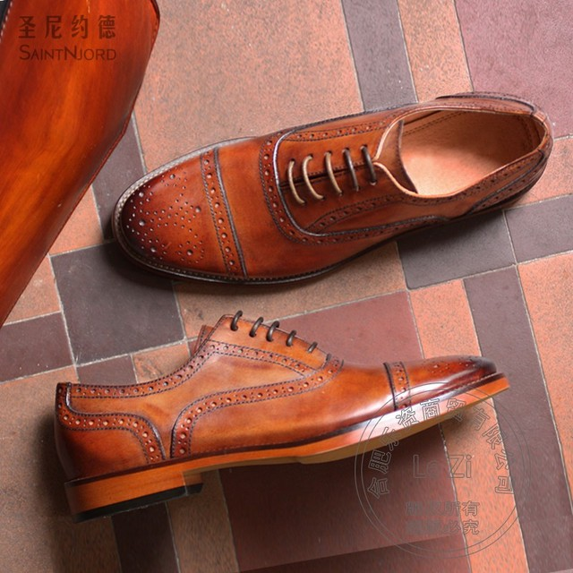 Tribe Style Cowhide Brown Shining Yellow Hand-painted Mens Designer Shoes Men Baroque Italian Shoes Men Soft Leather Hole