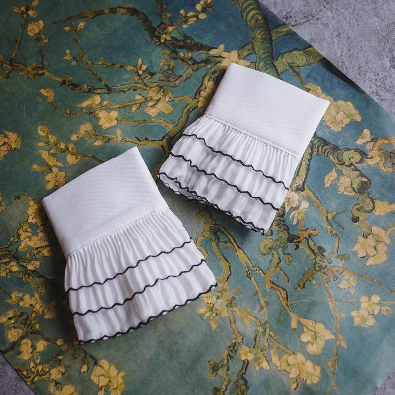 [La MaxPa]New Fashion Lace Court Wind Light Mysterious Floral Arm Warmers Universal Wild Layer Fake Cuff Sleeves Chiffon Sleeves