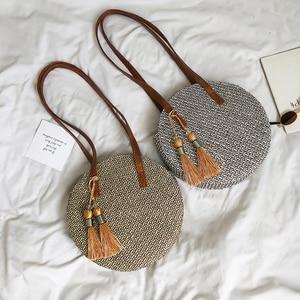 Image 3 - 2019 yuvarlak püskül yeni hasır çanta çanta kadın yaz kamış örgü çanta el yapımı dokuma plaj daire Bohemia çanta yeni moda