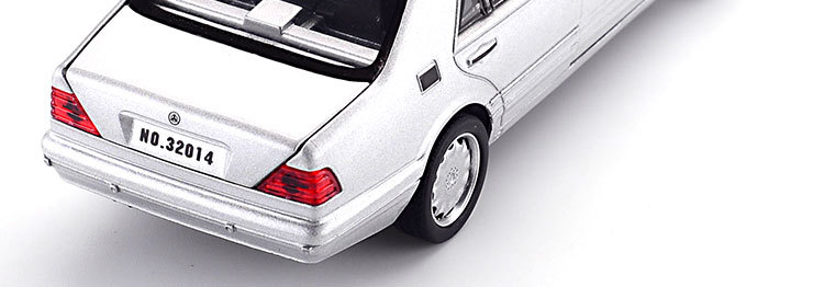 Mercedes-Benz S W140 Model Car with Sound and Lights 21