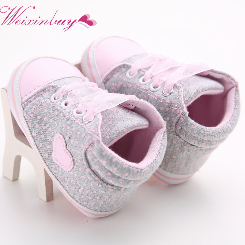 Lovely Baby Sneakers Love Heart Design Newborn Baby Crib Shoes Girls Toddler Laces Soft Sole Shoes