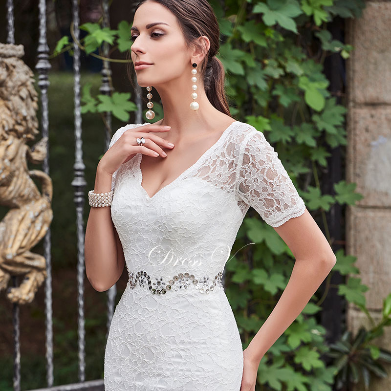 Atemberaubend Hochzeitskleid Für Die Hochzeit Im Freien Fotos ...
