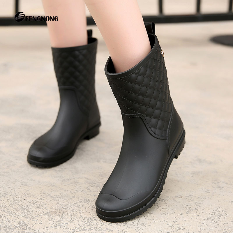 Hot Brand Fashion Waterproof Rain Boots Women Mid-Calf Plaid PVC Water Shoes Comfortable Laides Rainboots Shoes Size 36-41 wellies polka dot breathable belt single shoes wading mid calf fashion gum canister rain womens boots women colorful antiskid