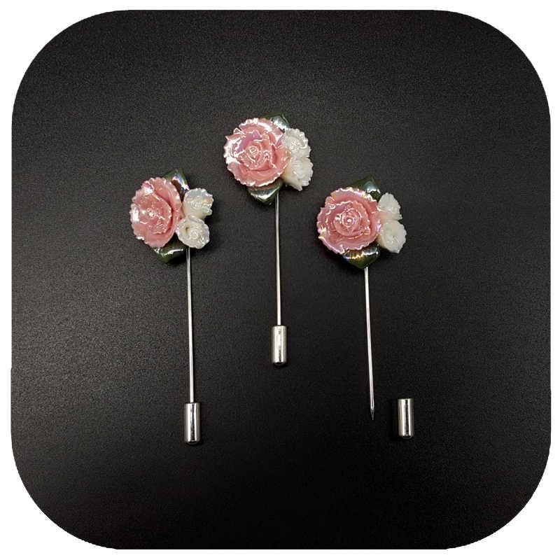 Mengkilap Glassy Keramik Pink Daisy Kerah Pin untuk Gaun Wanita atau Topi
