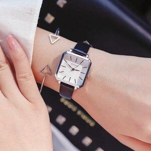 النساء ساعات كوارتز 2018 الفاخرة العلامة التجارية حلقة من جلد المرأة أسلوب بسيط ساعة معصم السيدات الكلاسيكية مربع ساعة Relojes موهير